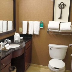 Отель Homewood Suites by Hilton Indianapolis Downtown ванная фото 2