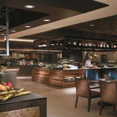 Отель Shangri-La's Rasa Sayang Resort and Spa, Penang Малайзия, Пенанг - отзывы, цены и фото номеров - забронировать отель Shangri-La's Rasa Sayang Resort and Spa, Penang онлайн питание фото 3