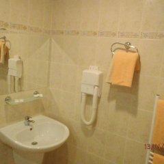 Отель Paralax Hotel Болгария, Варна - отзывы, цены и фото номеров - забронировать отель Paralax Hotel онлайн ванная