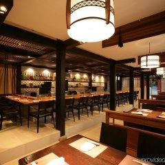 Отель Legacy Suites Sukhumvit by Compass Hospitality Таиланд, Бангкок - 2 отзыва об отеле, цены и фото номеров - забронировать отель Legacy Suites Sukhumvit by Compass Hospitality онлайн гостиничный бар