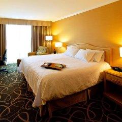 Отель Hampton Inn and Suites by Hilton, Downtown Vancouver Канада, Ванкувер - отзывы, цены и фото номеров - забронировать отель Hampton Inn and Suites by Hilton, Downtown Vancouver онлайн комната для гостей фото 4