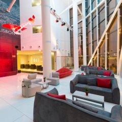 Отель TRYP Lisboa Aeroporto Hotel Португалия, Лиссабон - 9 отзывов об отеле, цены и фото номеров - забронировать отель TRYP Lisboa Aeroporto Hotel онлайн интерьер отеля фото 2