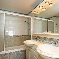 Отель Front Beach ванная