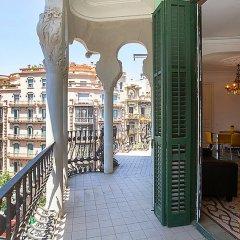 Отель Eix.Dret:Roger de LLúria/València балкон