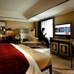 V-Continent Parkview Wuzhou Hotel интерьер отеля