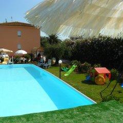 Отель La Mimosa Кастаньето-Кардуччи бассейн