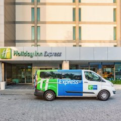 Отель Holiday Inn Express Lisbon Airport городской автобус