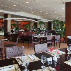 Отель Taal Vista Hotel Филиппины, Тагайтай - отзывы, цены и фото номеров - забронировать отель Taal Vista Hotel онлайн питание фото 3