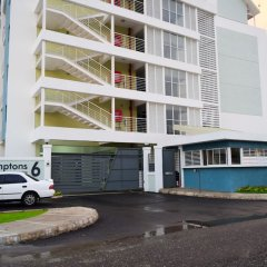 Отель New Kingston Luxury Apt The Bromptons парковка