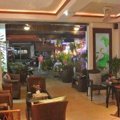Отель Karon Sunshine Guesthouse & Bar гостиничный бар