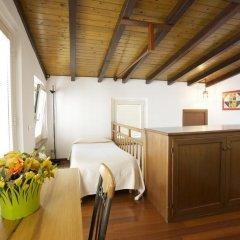 Отель Residenza Pesce D'oro Италия, Вербания - отзывы, цены и фото номеров - забронировать отель Residenza Pesce D'oro онлайн комната для гостей фото 2