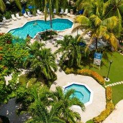 Отель Comfort Suites Seven Mile Beach Каймановы острова, Севен-Майл-Бич - отзывы, цены и фото номеров - забронировать отель Comfort Suites Seven Mile Beach онлайн бассейн фото 3