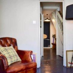 Апартаменты 2 Bedroom Central Maisonette Apartment комната для гостей фото 4