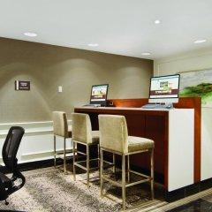 Отель DoubleTree by Hilton Hotel Toronto Downtown Канада, Торонто - отзывы, цены и фото номеров - забронировать отель DoubleTree by Hilton Hotel Toronto Downtown онлайн интерьер отеля фото 2