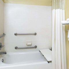 Отель Howard Johnson by Wyndham University of Alabama Tuscaloosa ванная