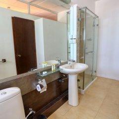 Отель Harbour Winds Hotel Шри-Ланка, Галле - отзывы, цены и фото номеров - забронировать отель Harbour Winds Hotel онлайн ванная