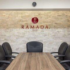 Ramada Hotel Cluj интерьер отеля