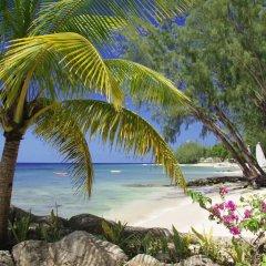 Отель Coral Reef Club пляж