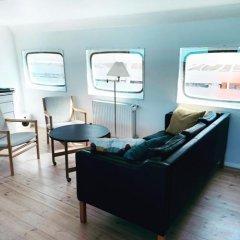 Отель Copenhagen Houseboat интерьер отеля фото 3
