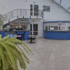 Гостиница Вояж Парк (гостиница Велотрек) бассейн