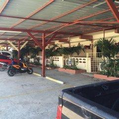 Отель Baan Kaew Ruen Kwan парковка