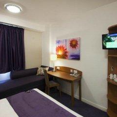 Отель Premier Inn London Stansted Airport удобства в номере