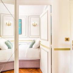 Отель Sunshine 2 bedroom - Luxury at Louvre Париж фото 25