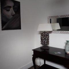 1 of Us Hostel Понта-Делгада удобства в номере фото 2