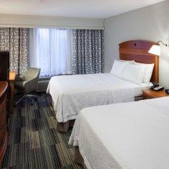 Отель Hampton Inn & Suites Tulare комната для гостей
