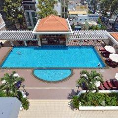 Отель Equatorial Ho Chi Minh City Вьетнам, Хошимин - отзывы, цены и фото номеров - забронировать отель Equatorial Ho Chi Minh City онлайн бассейн