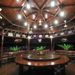 Отель Dragon Inn Floating Resort питание