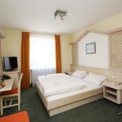 Hotel Leopold Мюнхен сейф в номере