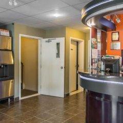 Отель Econo Lodge Montmorency Falls Канада, Буашатель - отзывы, цены и фото номеров - забронировать отель Econo Lodge Montmorency Falls онлайн в номере фото 2