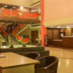 Отель Dee Marks Hotel & Resorts Индия, Нью-Дели - отзывы, цены и фото номеров - забронировать отель Dee Marks Hotel & Resorts онлайн питание фото 2