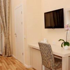 Отель Bristol Hotel Азербайджан, Баку - 9 отзывов об отеле, цены и фото номеров - забронировать отель Bristol Hotel онлайн удобства в номере фото 4