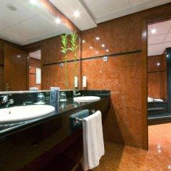 Отель TRYP Madrid Alameda Aeropuerto Hotel Испания, Мадрид - 2 отзыва об отеле, цены и фото номеров - забронировать отель TRYP Madrid Alameda Aeropuerto Hotel онлайн ванная