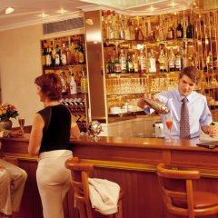 Отель Champerret Elysees Париж гостиничный бар
