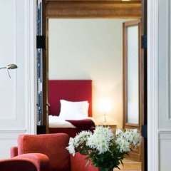 Отель «Валдемарс Рига» под управлением Accor Латвия, Рига - 10 отзывов об отеле, цены и фото номеров - забронировать отель «Валдемарс Рига» под управлением Accor онлайн комната для гостей фото 2