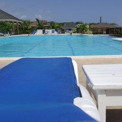 Отель Ocho Rios Villa at Coolshade IX бассейн