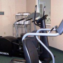 Отель Country Inn & Suites Effingham фитнесс-зал фото 3