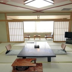 Отель Enjoy The Night View Of Nagasaki And Shippoku Cuisine | Nissho Cans New Wing Baishokaku Нагасаки комната для гостей фото 3