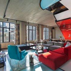 Отель Moxy NYC East Village США, Нью-Йорк - отзывы, цены и фото номеров - забронировать отель Moxy NYC East Village онлайн интерьер отеля фото 2