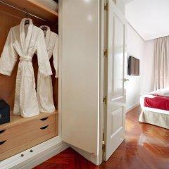 Отель Luxury Suites сейф в номере