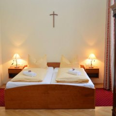 Отель Gästehaus Im Priesterseminar Salzburg Зальцбург комната для гостей фото 3