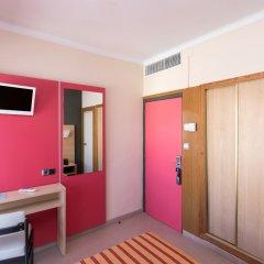 Отель The Red by Ibiza Feeling сейф в номере