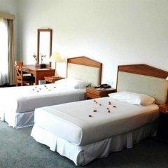 Отель Aye Thar Yar Golf Resort комната для гостей