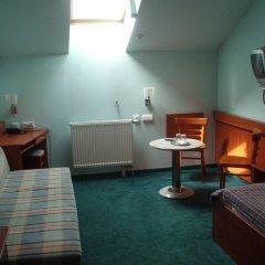 Отель Alton Hotel Чехия, Прага - 12 отзывов об отеле, цены и фото номеров - забронировать отель Alton Hotel онлайн удобства в номере фото 2