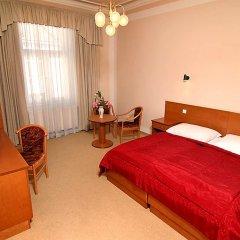 Hotel & Residence Royal Standard сейф в номере