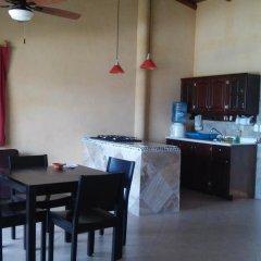 Отель Bungalows La Madera Мексика, Сиуатанехо - отзывы, цены и фото номеров - забронировать отель Bungalows La Madera онлайн удобства в номере фото 2