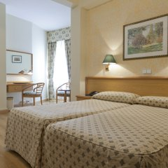 Hotel Riazor сейф в номере